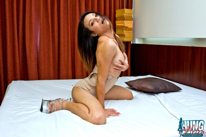 Ladyboy Hung Helen Hot